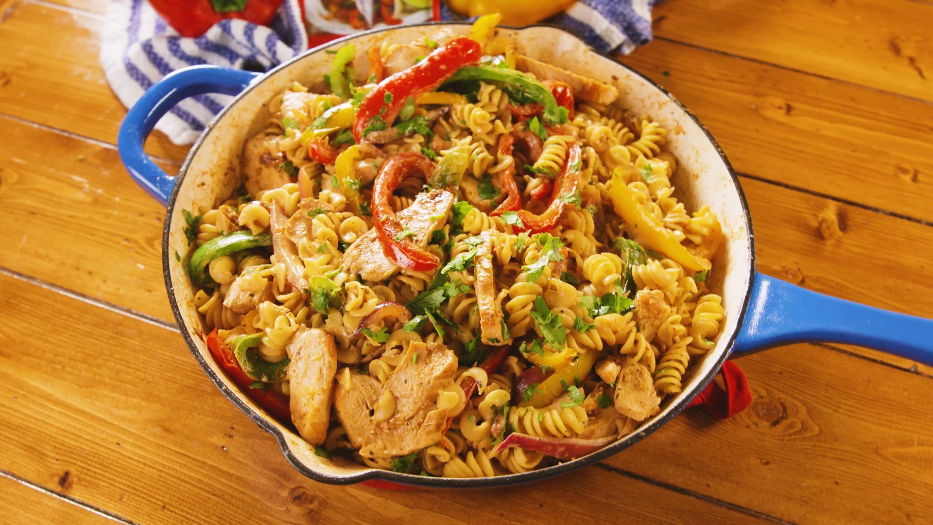 chicken-fajita-pasta